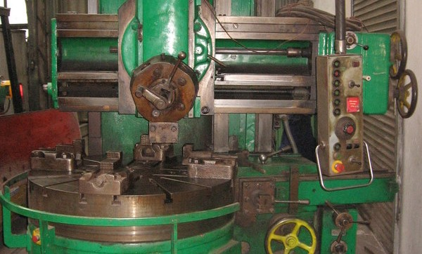 Defum (Vertical Lathe Machine)