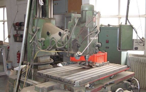 ZIMMERMANN FZ 4 Bed Type Conventional Milling Machine